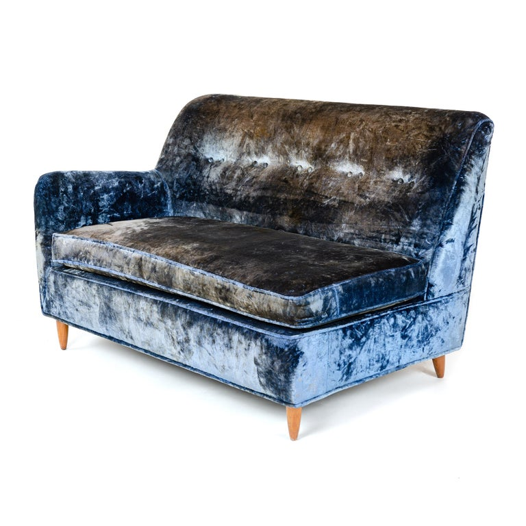 1950s Two-Piece Velvet Sofa in the Style of Gio Ponti For Sale 1