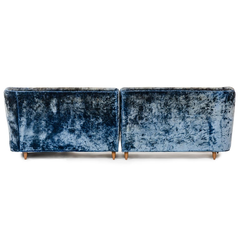 1950s Two-Piece Velvet Sofa in the Style of Gio Ponti For Sale 2