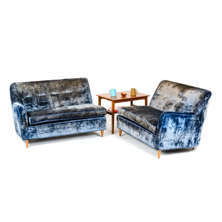 1950s Two-Piece Velvet Sofa in the Style of Gio Ponti For Sale 3