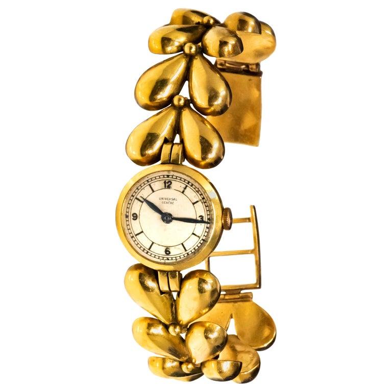 1950s Universal Flower Petal Motif 18 Karat Yellow Gold Bracelet Wristwatch For Sale