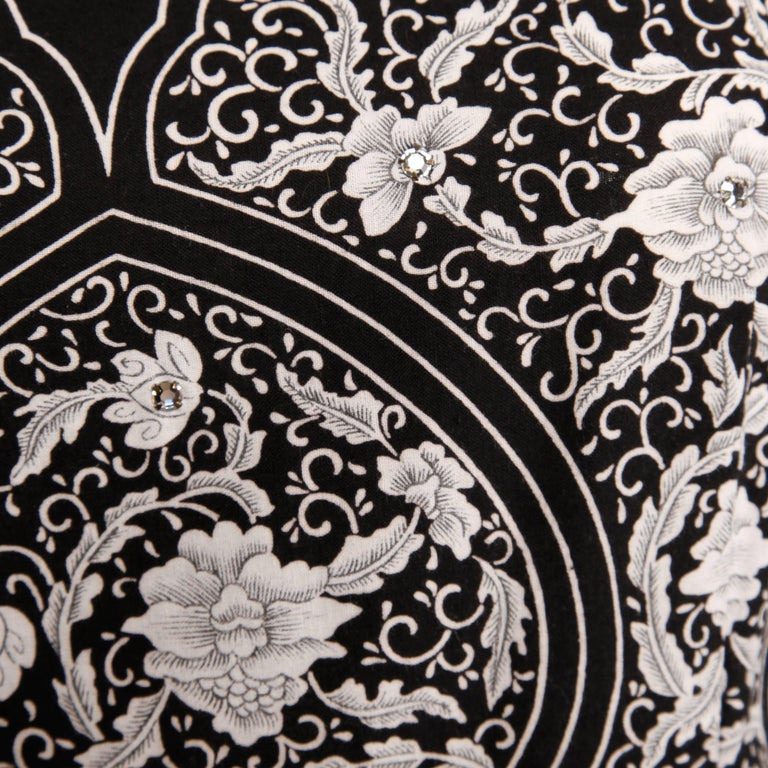 1950s Vintage Black + White Cotton Patio Dress with Rhinestone Detail In Excellent Condition For Sale In Sparks, NV