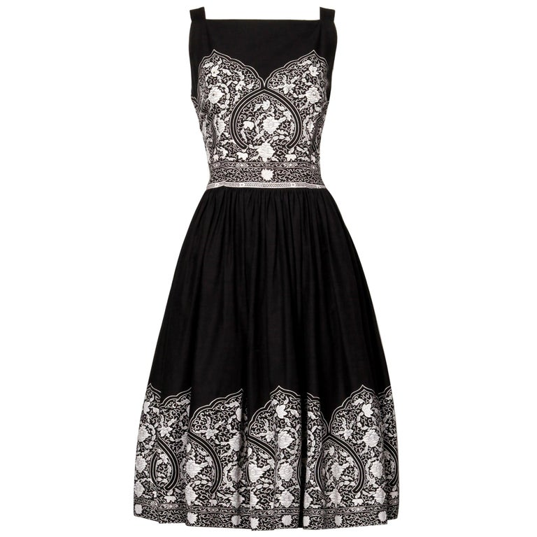 1950s Vintage Black + White Cotton Patio Dress with Rhinestone Detail For Sale