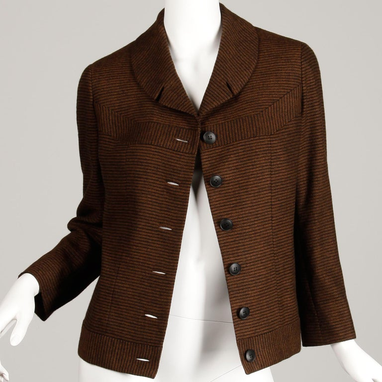 1950s Vintage Brown + Black Striped Wool Blazer or Suit Jacket Size Small In Excellent Condition For Sale In Sparks, NV