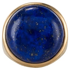 1950s Vintage Lapis Lazuli Chiseled 18 Karat Yellow Gold Signet Ring