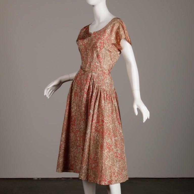 1950s Vintage Pink, Mauve + Beige 3-Piece Matching Dress/ Coat/ Belt Ensemble For Sale 7