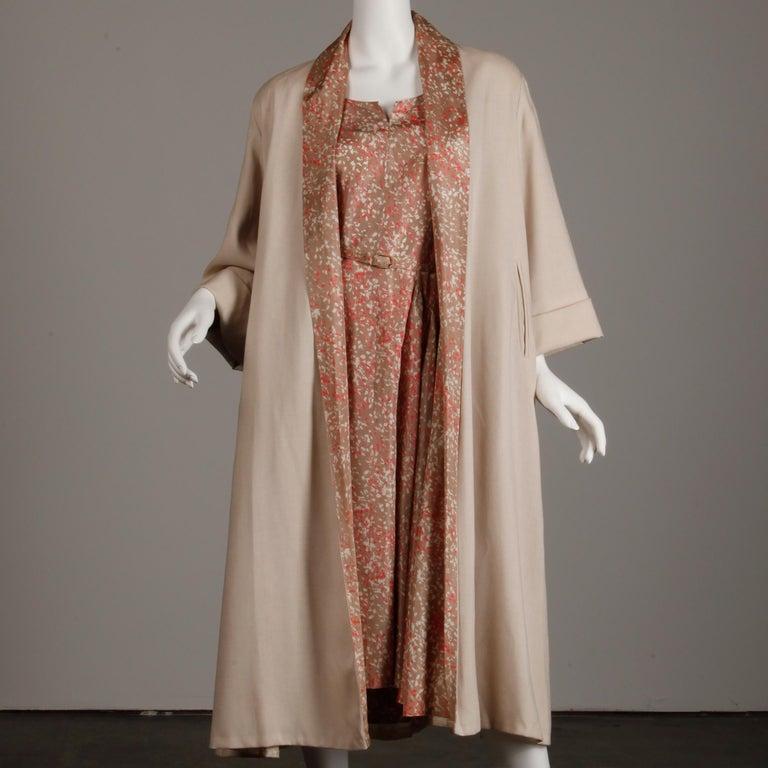 1950s Vintage Pink, Mauve + Beige 3-Piece Matching Dress/ Coat/ Belt Ensemble For Sale 4