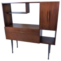 1950s Walnut Cabinet Bar with Lighted Area in the Style of Vladimir Kagan
