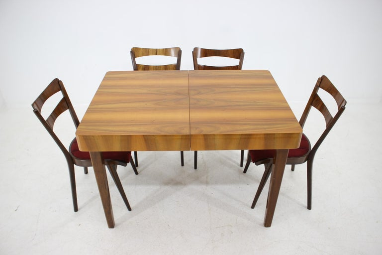 4 x chair and 1x extendable dining table. Good original condition with minor signs of use. The table dimensions are: H 77 cm, W 115 - 173 cm, D 80 cm.