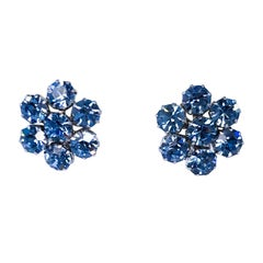 1950's Weiss Blue Rhinestone Clip-on Earrings