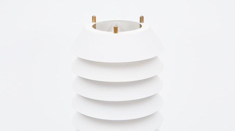 Finnish 1950s White Aluminum Table Lamp by Ilmari Tapiovaara For Sale