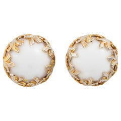 1950s White and Gold Tone Flowers Clip on Earrings