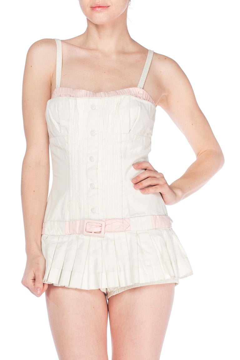 1950S White Cotton Bathing Suit With Skirt Swimsuit In Excellent Condition For Sale In New York, NY