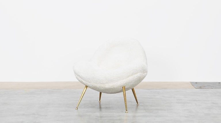 1950s White Faux Fur on Brass Legs Lounge Chairs by Fritz Neth In Good Condition For Sale In Frankfurt, Hessen, DE