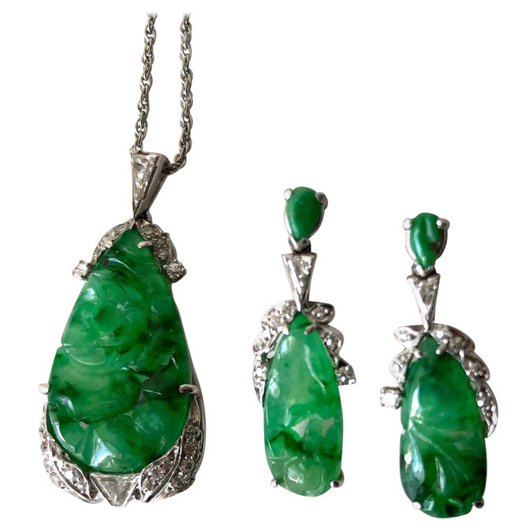 1950s White Gold Carved Jade Diamond Necklace Earrings Set For Sale