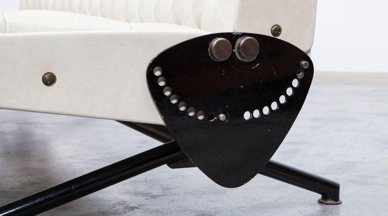 1950s White Leather Sofa by Osvaldo Borsani For Sale 3