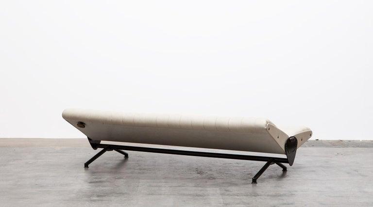 Mid-20th Century 1950s White Leather Sofa by Osvaldo Borsani For Sale