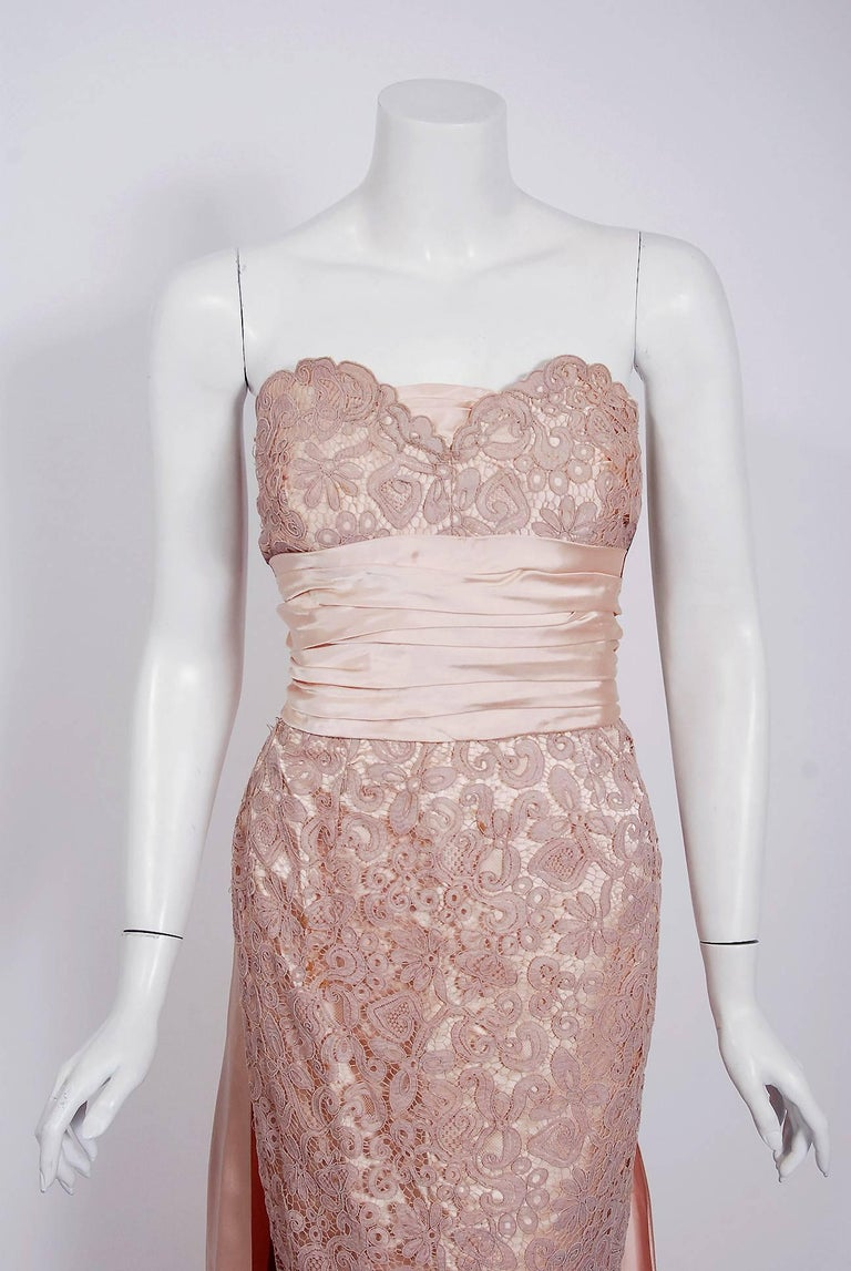 Vintage 1952 Pierre Balmain Couture Pale-Pink Silk Lace Strapless Trained Gown  In Good Condition For Sale In Beverly Hills, CA