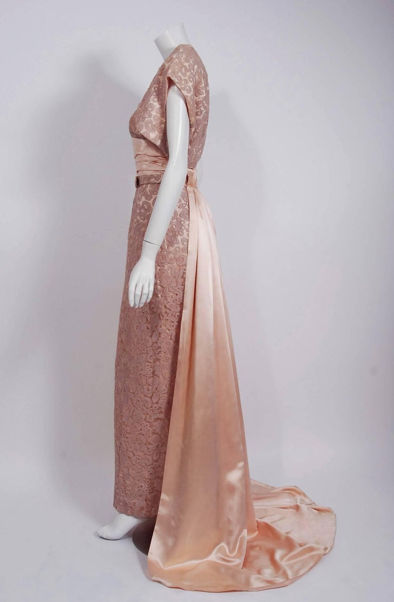 Vintage 1952 Pierre Balmain Couture Pale-Pink Silk Lace Strapless Trained Gown  For Sale 3