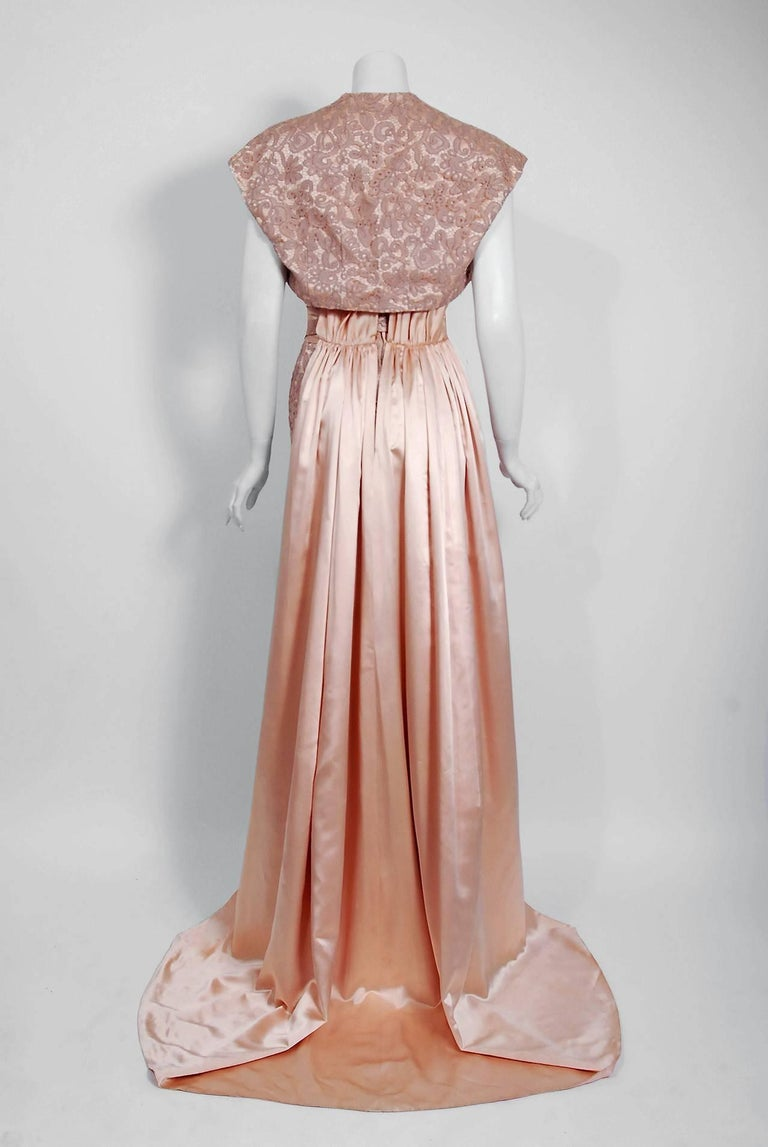 Vintage 1952 Pierre Balmain Couture Pale-Pink Silk Lace Strapless Trained Gown  For Sale 4