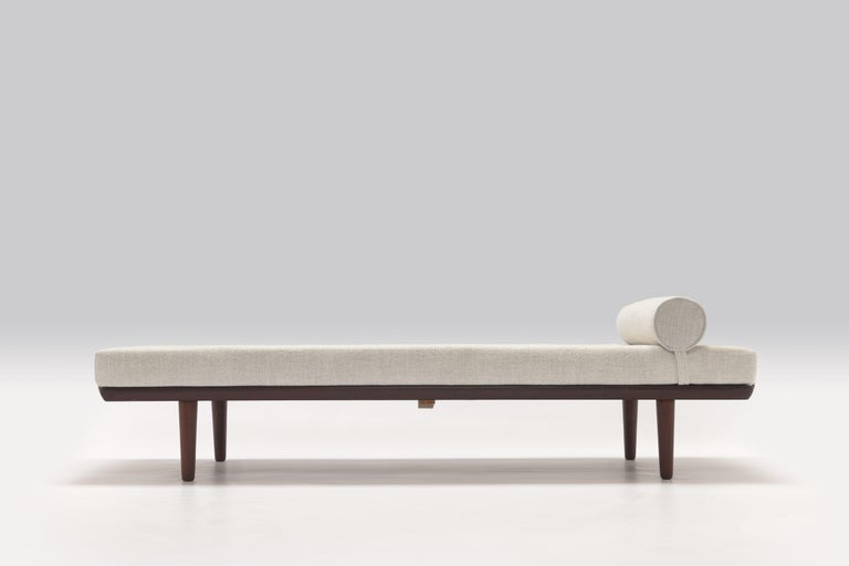1956 Daybed Model GE19 by Hans J. Wegner for GETAMA, New Pierre Frey Upholstery For Sale 1