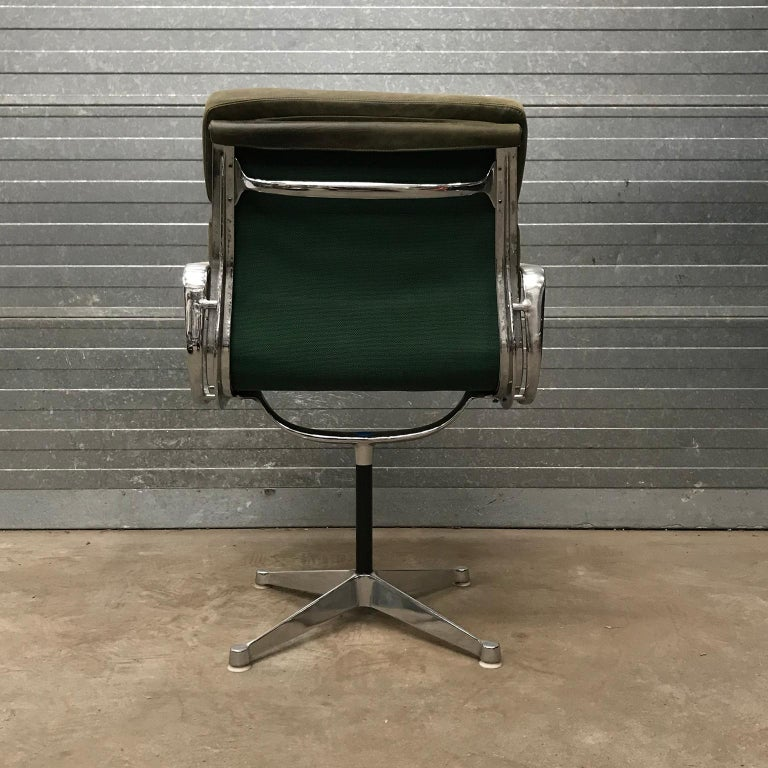 1958, Eames for Herman Miller, Early EA 207 Softpad in Green Vintage Leather For Sale 2