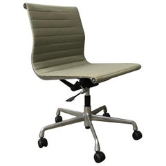 1958 Ray and Charles Eames, Fabric, Adjust, Tilt, Office Chair 4 Wheels No Arms