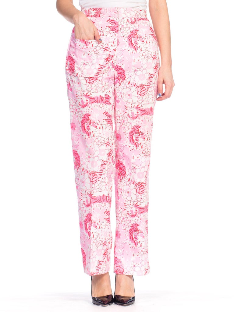 1970S LILLY PULITZER Pink  & White Cotton Floral Tiger Print Pants In Excellent Condition For Sale In New York, NY