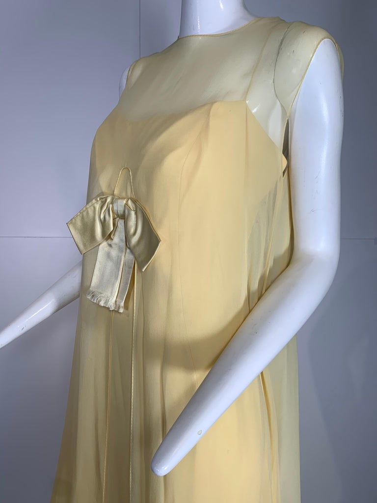 1960 Bonwit Teller Pale Yellow Silk Chiffon Column & Overlay Gown  In Excellent Condition For Sale In San Francisco, CA