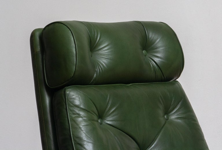 Mid-Century Modern 1960 Bottle Green Leather Swivel and Rocking Lounge Chair and Ottoman by Ulferts