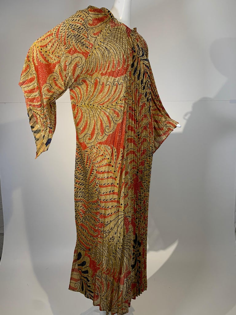 1960 Georgie Keyloun Pleated Gold Red & Black Lurex Print Caftan w/ Bell Sleeves In Excellent Condition For Sale In San Francisco, CA