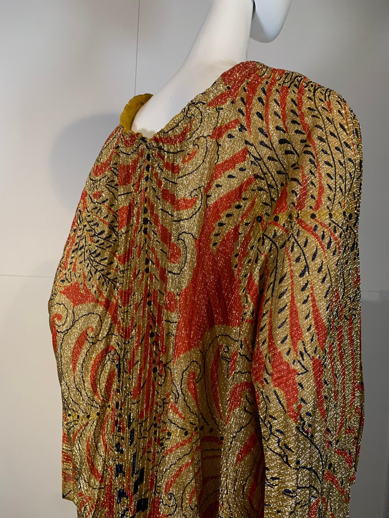 1960 Georgie Keyloun Pleated Gold Red & Black Lurex Print Caftan w/ Bell Sleeves For Sale 4