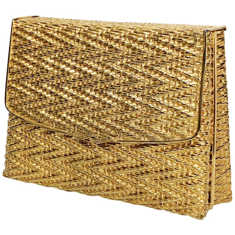 1960 Gold Metal Basket Weave Textured Evening Box Clutch w/ Mirror For Sale