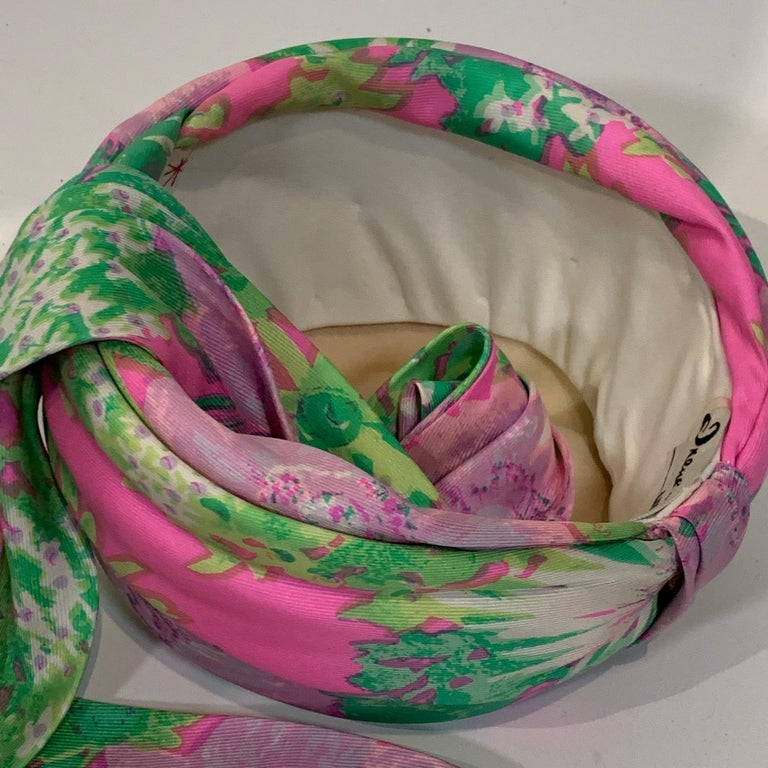 1960 Irene Of New York Fluorescent Floral Print Tufted Turban & Foulard Size M For Sale 7