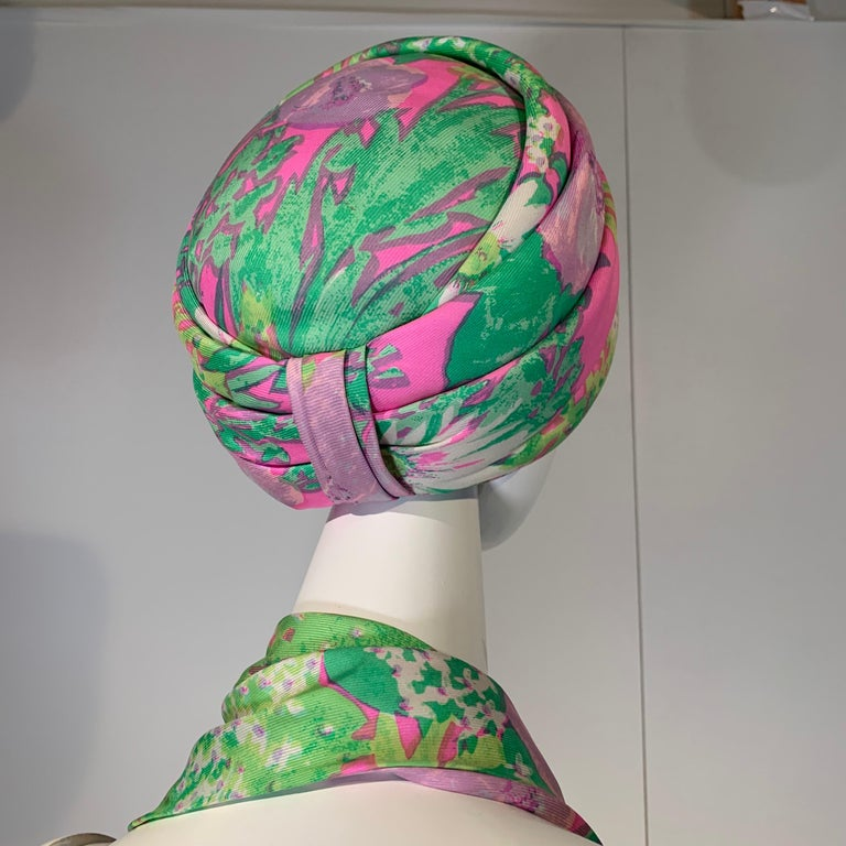 1960 Irene Of New York Fluorescent Floral Print Tufted Turban & Foulard Size M For Sale 1