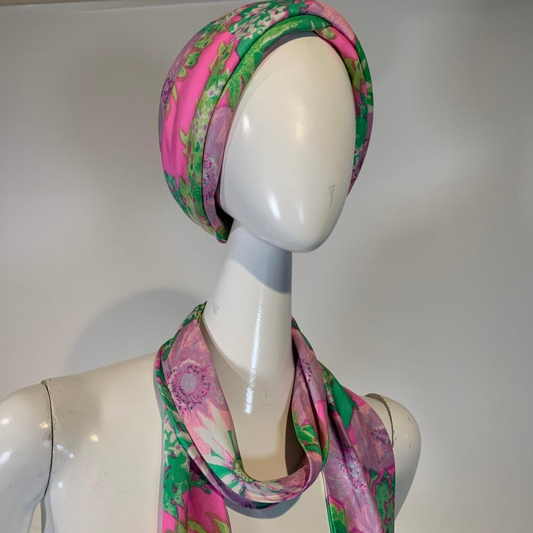1960 Irene Of New York Fluorescent Floral Print Tufted Turban & Foulard Size M For Sale 3