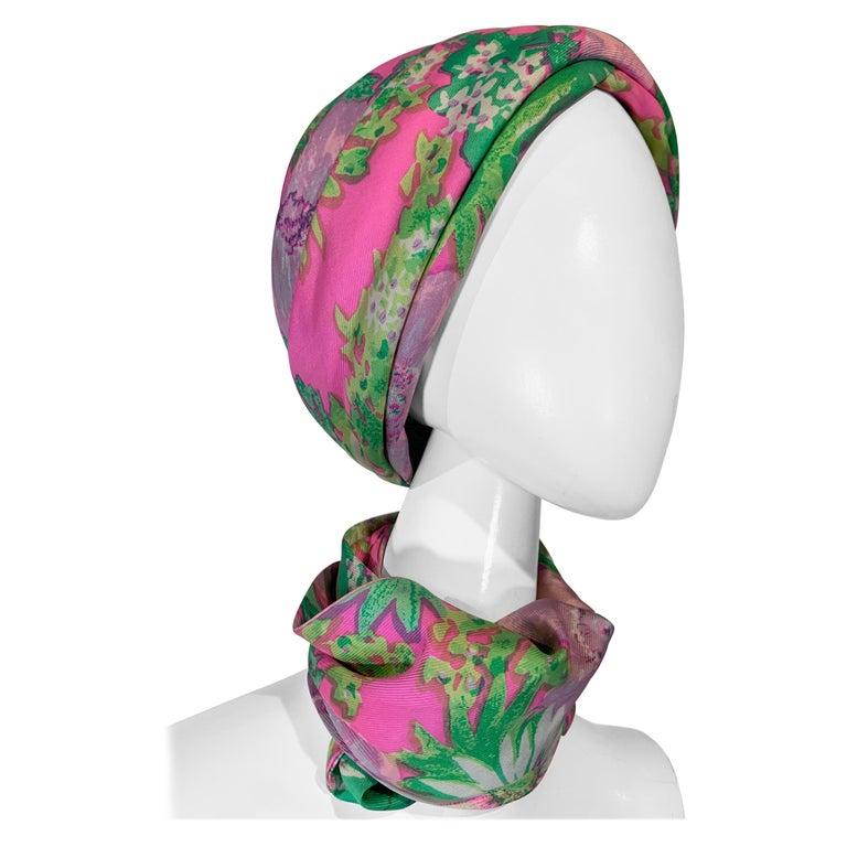 1960 Irene Of New York Fluorescent Floral Print Tufted Turban & Foulard Size M For Sale