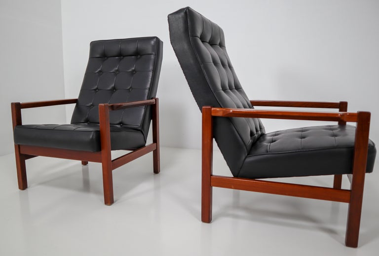 1960 Leather Rosewood Armchairs Made in England For Sale 2