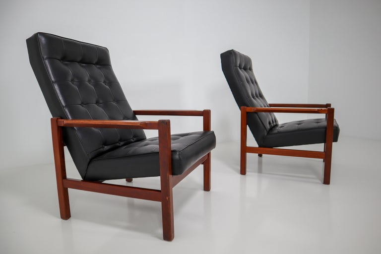 1960 Leather Rosewood Armchairs Made in England For Sale 3