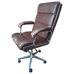 1960 Retro Vintage Swivel Brown Leather Retro Office / Armchair