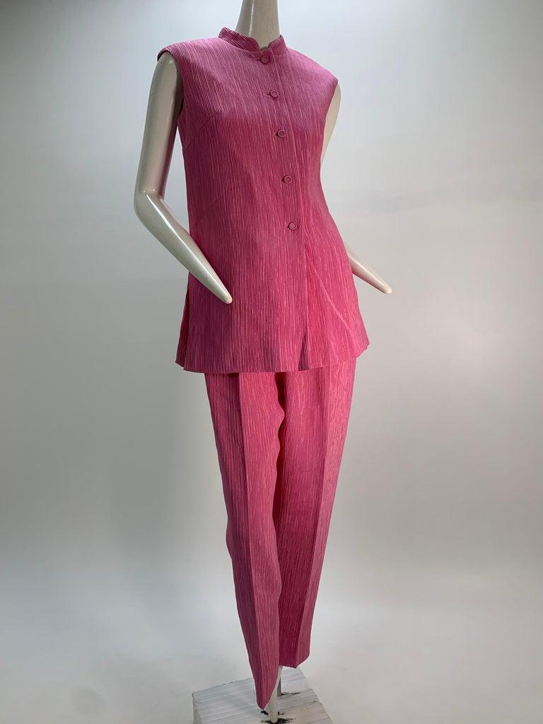1960 Saks Pink Crinkle Capri Pant & Nehru Tunic Ensemble For Sale 7