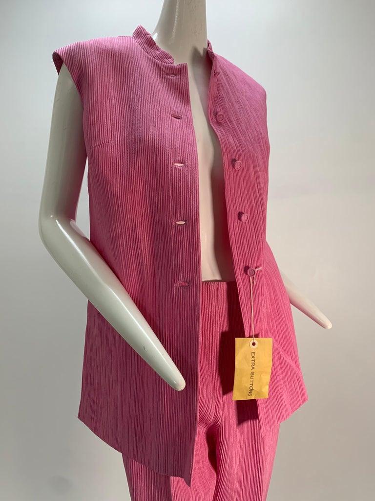 1960 Saks Pink Crinkle Capri Pant & Nehru Tunic Ensemble For Sale 9