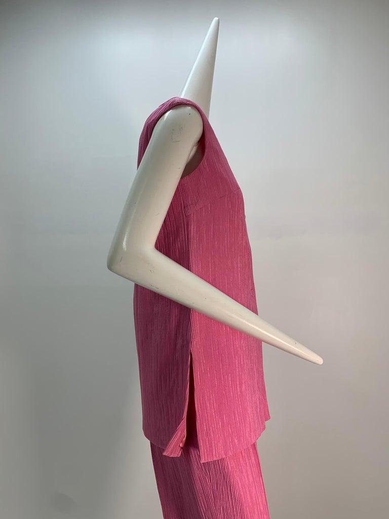 1960 Saks Pink Crinkle Capri Pant & Nehru Tunic Ensemble For Sale 3