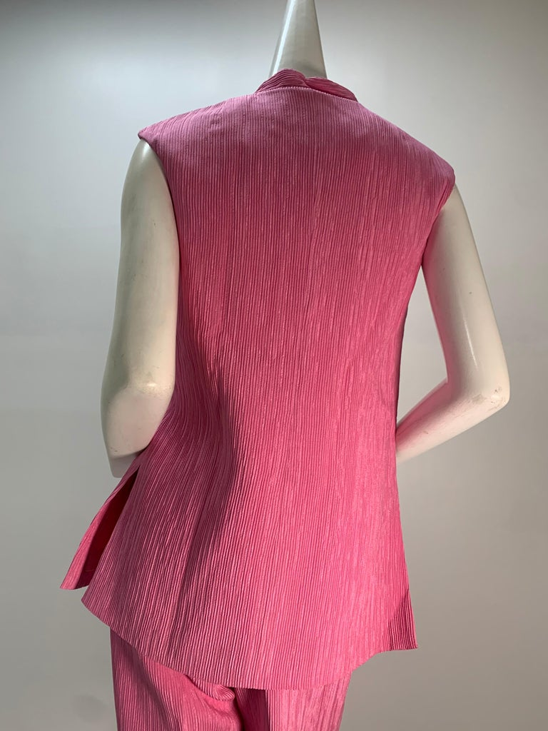 1960 Saks Pink Crinkle Capri Pant & Nehru Tunic Ensemble For Sale 5