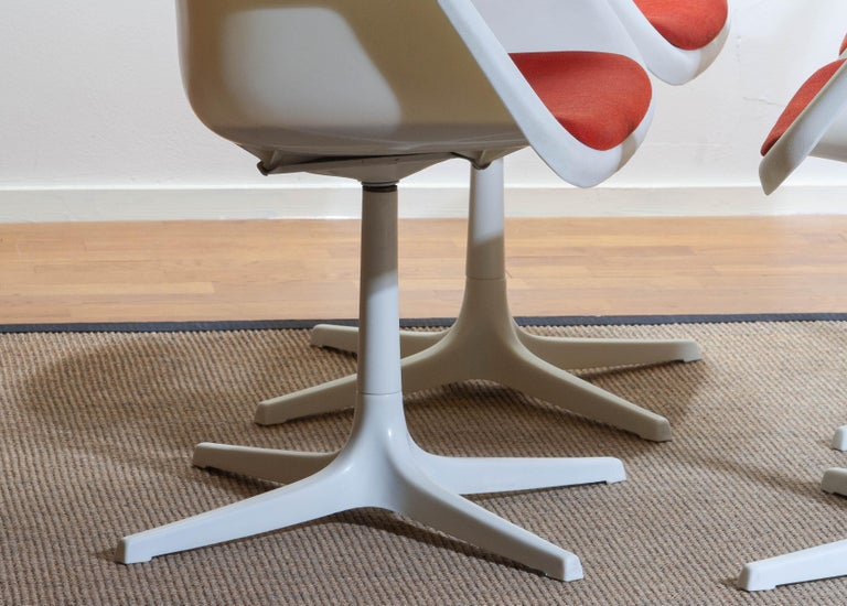 Set of Four White Swivel Chair by Robin Day for Hille, France, 1960 6