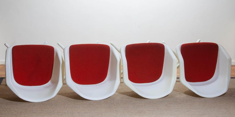 Set of Four White Swivel Chair by Robin Day for Hille, France, 1960 8