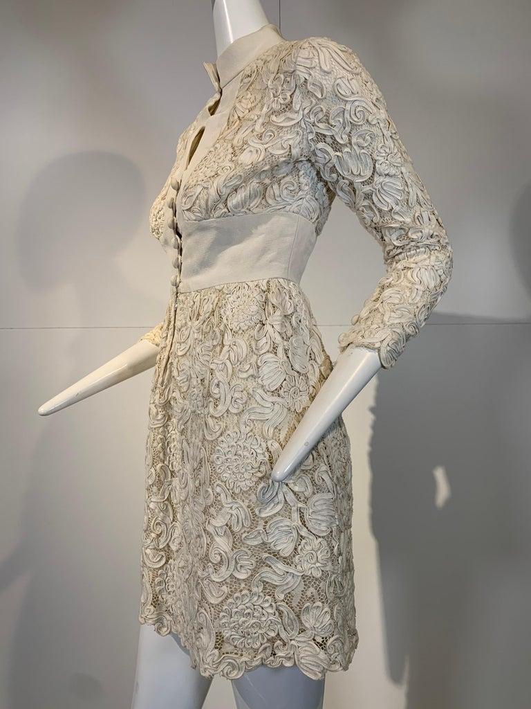 Women's 1960 Teal Traina Egg Shell Ribbon Lace Mini Dress W/ Wide Grosgrain Trim Size 4 For Sale