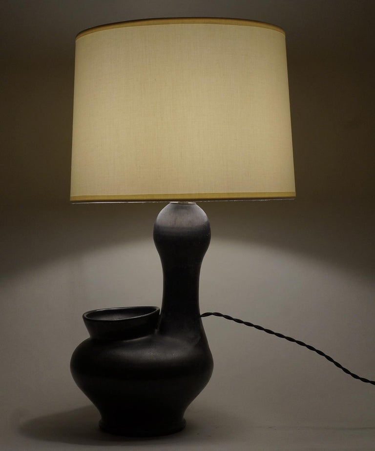 1960 Zoomorphic Black Satin Ceramic Table Lamp In Excellent Condition For Sale In Paris, FR
