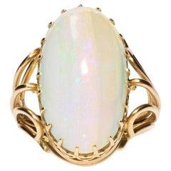 1960s 11 Carat Opal 18 Karat Yellow Gold Retro Ring