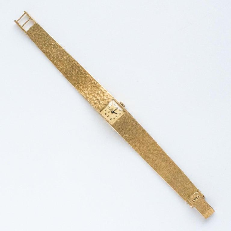 1960s 18 Karat Amati Yellow Gold Omega Ladies Watch For Sale 9