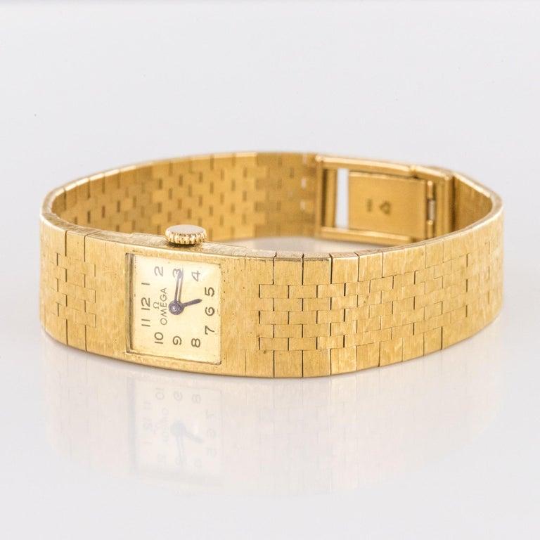 1960s 18 Karat Amati Yellow Gold Omega Ladies Watch For Sale 11